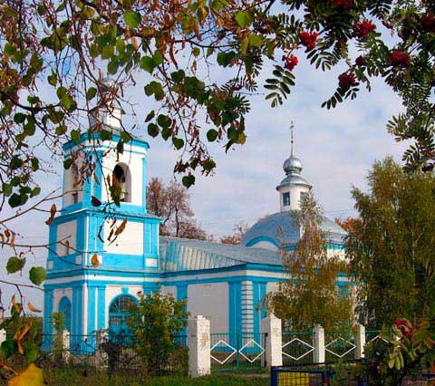 Храм в честь Архангела Михаила в селе Малинки, 4 октябрь 2010 г