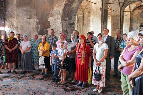Первая служба, 28 июля 2012 г. Фото из архива Татьяны Сергеевны Мазовой.