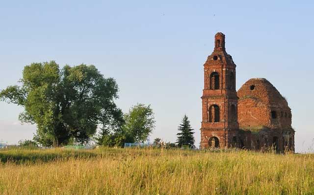 Воскресенская церковь с.Новое Киркино. Фото Натальи Шарафутдиновой, 2007г