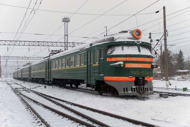 ЭМ9-004, станция Узуново, 12.02.2012, фото пользователя ЭД9Т-0008, Источник: http://trainpix.org.ua