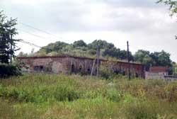 Одно из зданий с.Коровино, ныне свх.им.Ильича. 2005 год
